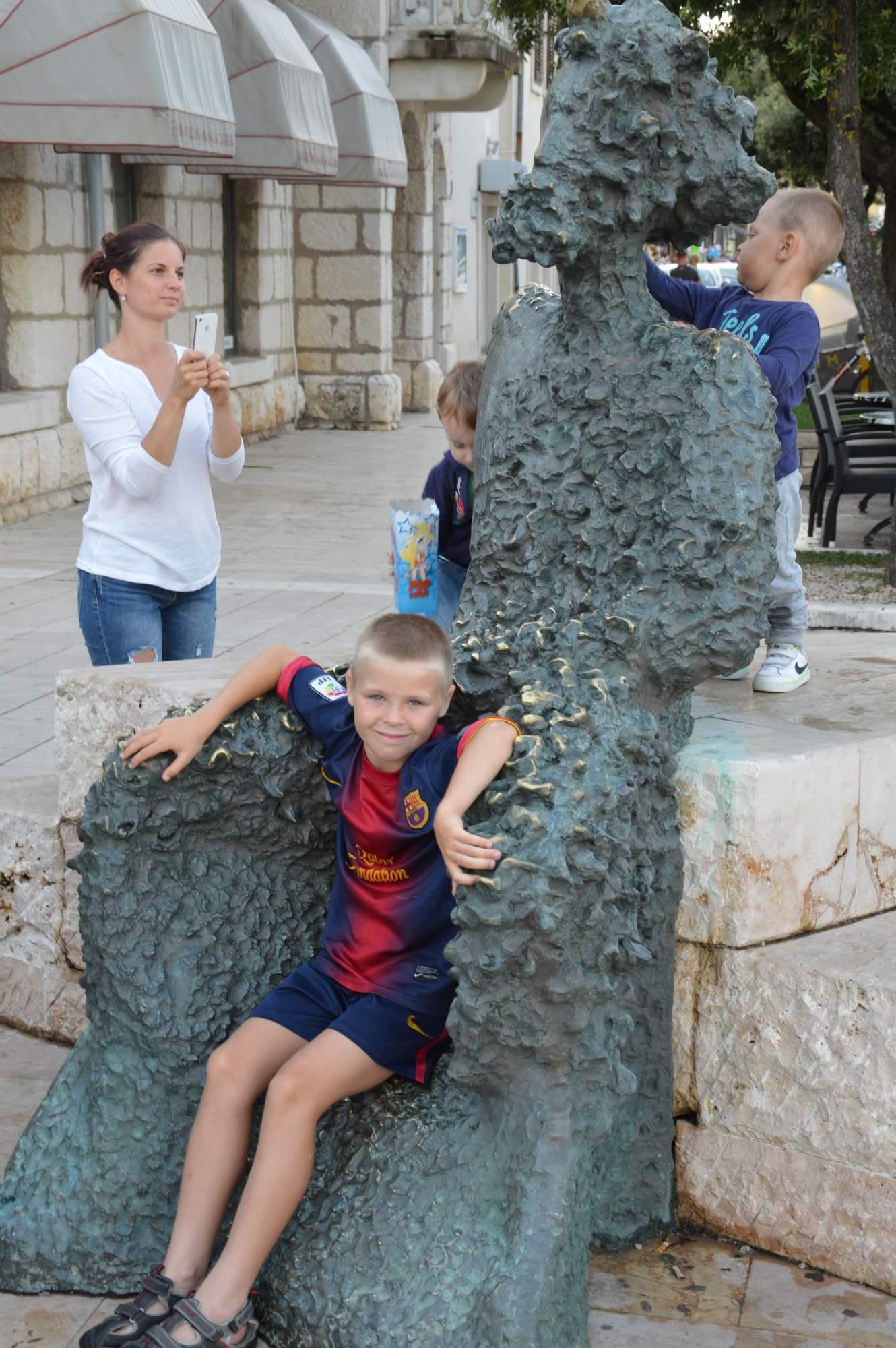 http://img19.rajce.idnes.cz/d1902/11/11369/11369498_ba1b1cc51aa2b100ecd01c05fe1b9075/images/DSC_0094.jpg