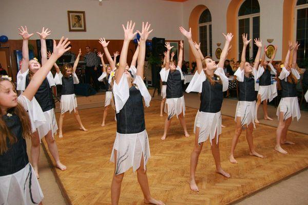 3. Podzimní benefiční ples Za jeden provaz 2011