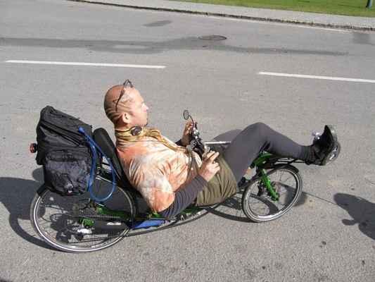 Jurimír - finský loveracer. Příjemné, super odpružené a sakra rychlé kolo. Mimochodem, ten chlapík přijel na sraz po ose !!!!