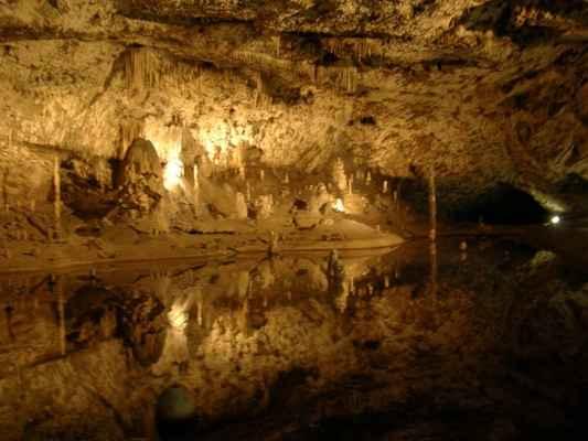 jeskyně - pořadatelé z Brnobentu nám zajistili prohlídku Punkevních jeskyní