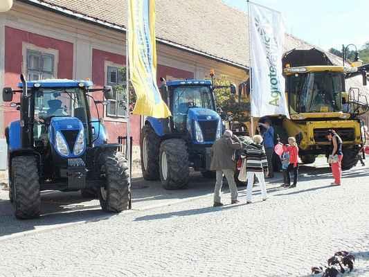 Traktory New Holland z Agrotec Moravia a.s. Olomouc.