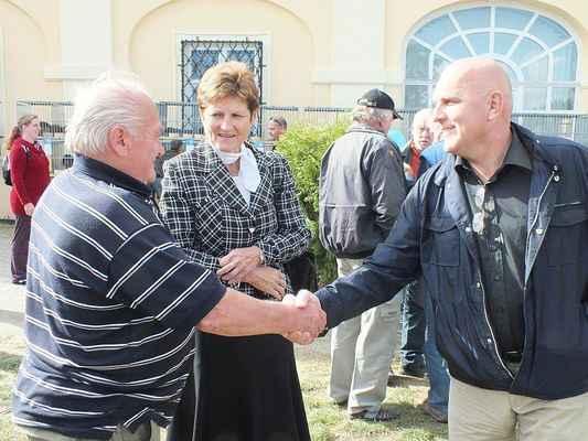 Vlevo pan Jiří Musil, místostarostka Boskovic Ing. Jaromíra Vítková, starosta Orla jednoty Boskovice Jaroslav Vítek.