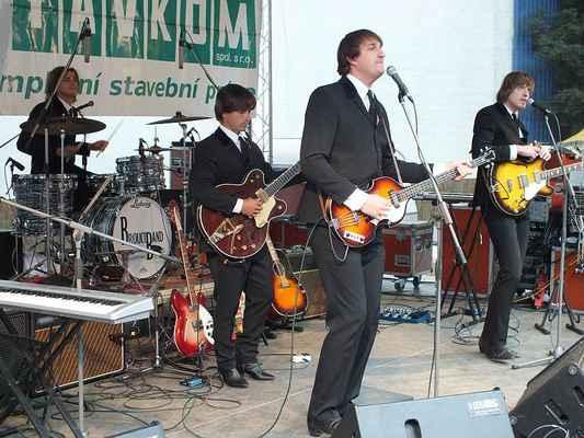 Kapela Brouci (revival Beatles) uzavřela velmi zdařilý devátý ročník Husích slavností v Boskovicích. Za rok nashledanou!