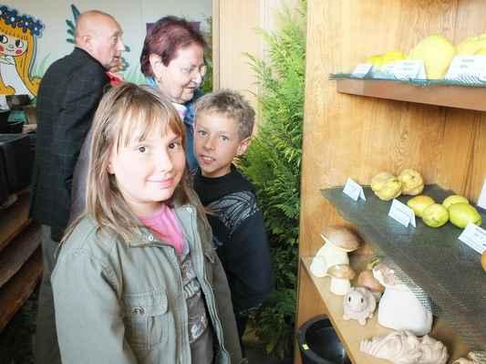 Dětem se líbily houby z pálené hlíny.