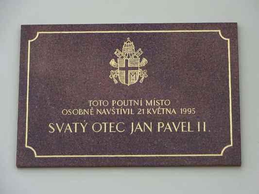 11. února 1990 se na Svatý Kopeček opět vrátili premonstráti, kteří pokračují dodnes v jeho zvelebování. Do této doby spadá snad nejvýznamější událost, kterou bylo toto místo poctěno. V době, kdy zde vykonával duchovní správu P. Jakub Berka, navštívil Svatý Kopeček osobně papež Jan Pavel II. 21. května 1995. Při té příležitosti byl poutní chrám povýšen na baziliku minor. Na papežskou návštěvu, zejména na jeho setkání s mladými lidmi, mnozí s vděčností vzpomínají.