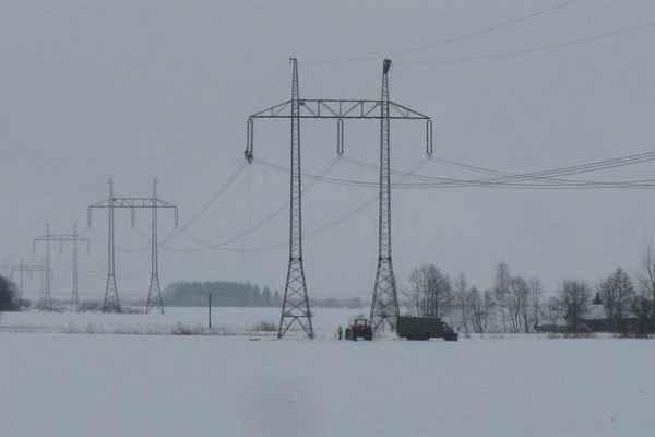vedení 400 kV bylo postavené zhruba před 40 lety - spojuje severočeské elektrárny s rozvodnou Krasíkov u České Třebové