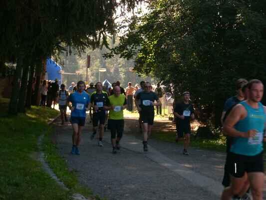 Start závodu 10, 21 a 42km